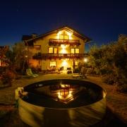 Großes Ferienhaus mit Garten und Pool